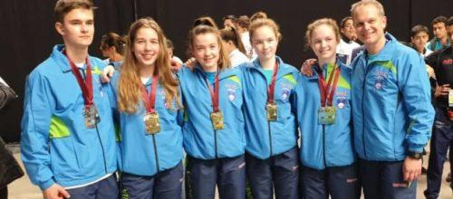 Mladinke svetovne prvakinje v ekipnih borbah, Hynogovcem še štiri odličja